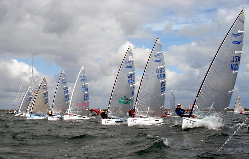 start of medal race - robert deaves.jpg