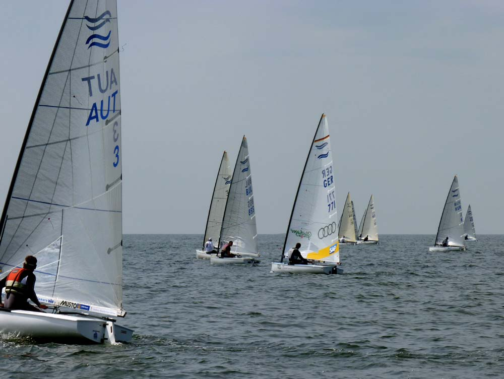 11-07-11-Finn-Race4-first-beat_sm.jpg