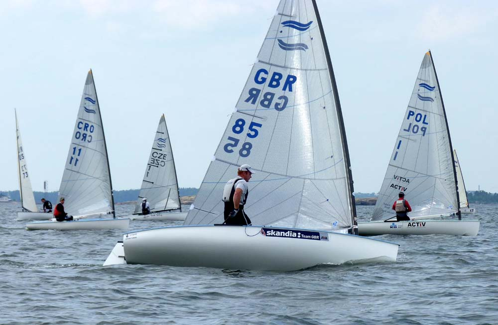 11-07-11-Finn-Race5-andrew-mills-tacking_sm.jpg