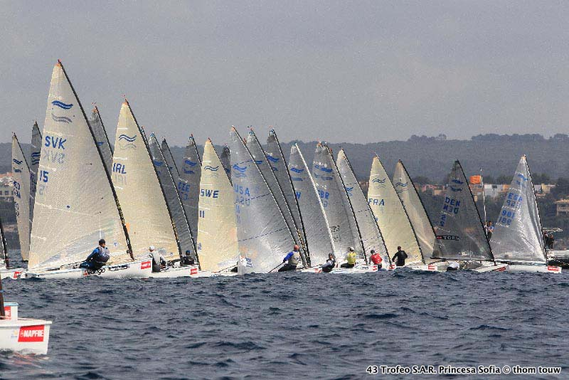 palma-day4-start-pic-thom-touw_sm.jpg